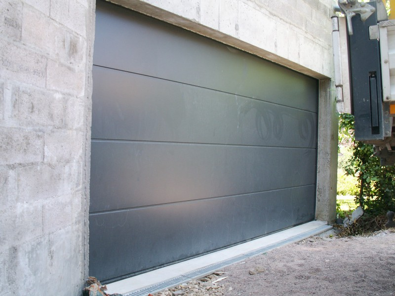Portes de garage for Porte de garage battante